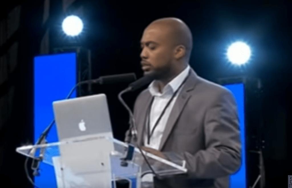 Regardez «Mohamed Bajrafil – Le meilleur des hommes est celui qui est utile aux gens» sur YouTube