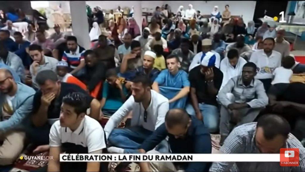 Regardez «Célébration : la fin du Ramadam» sur YouTube